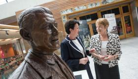 Bust unveiled at Shannon Airport to 'visionary' Brendan O'Regan
