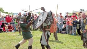 SLIDESHOW: Watch how medieval battle was done at Limerick town's festival
