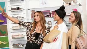 WATCH: Popstar Una Healy on song as Limerick shoe store marks 80th anniversary