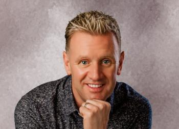 Catch Country Music star Mike Denver in Birdhill this weekend