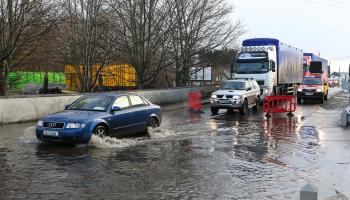 'Flooding risk' as Met Éireann issues urgent weather warnings