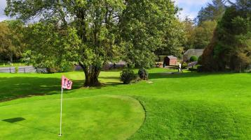 Lim GDO - Golfing at its finest at Glenside Pitch and Putt