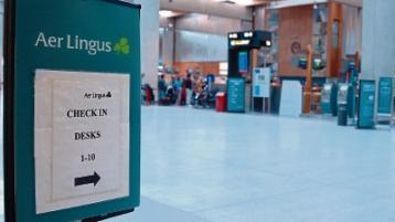 Aer Lingus Shannon staff meet An Taoiseach