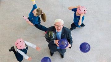 Launching The Pig Parade at LSAD with Prof Vincent Cunnane, President LIT were Gaelscoil Sairseal pupils, Millie O'Sullivan, Kerry Nolan and Jessica Nolan Picture: Alan Place