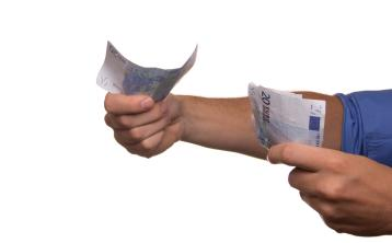 How to lend money to family and friends