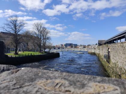 Single women seeking single men in Limerick - Spark Dating