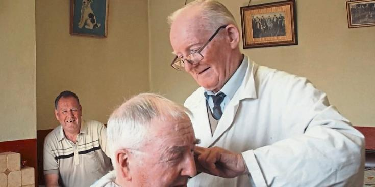 Prestigious award for TV documentary featuring hairdressers and barbers in Limerick town