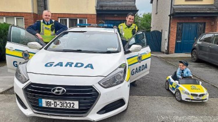 Limerick garda meets brave Little Blue Hero who inspired him to run marathon for charity