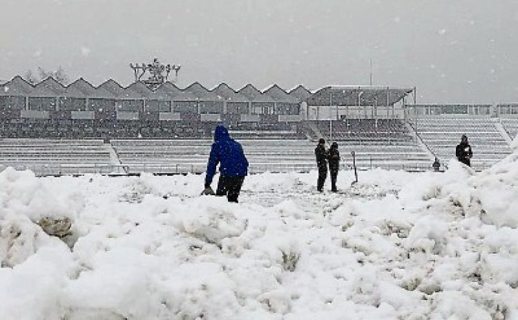WATCH: Snow joke as Limerick rugby referee forced to postpone game inRomania