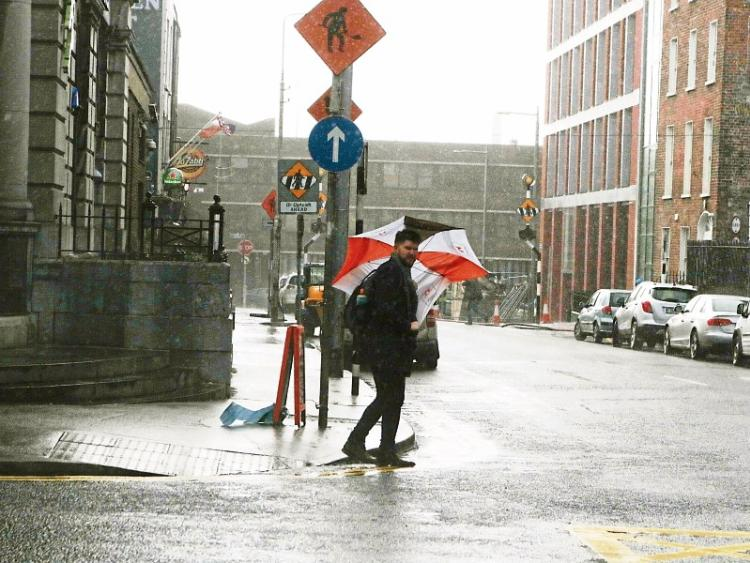Met Éireann issue snow and ice warning for 9 counties