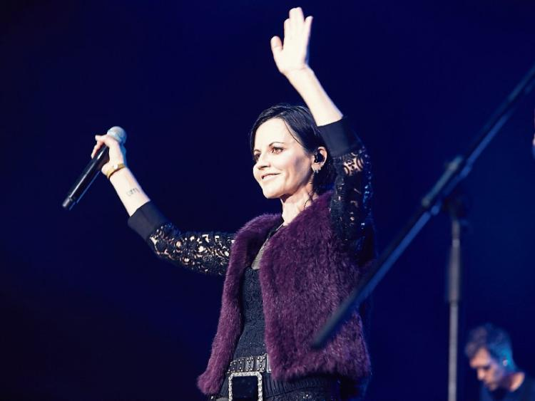 39 i heart the cranberries 39 artists to pay tribute to. Black Bedroom Furniture Sets. Home Design Ideas